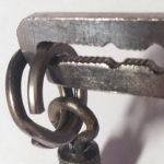Пассатижи для разъема морских заводных колец